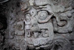 new-mayan-temple-shows-sun-god-shark_56986_600x450